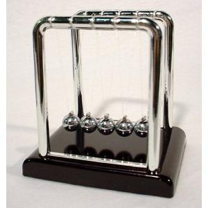 Pendulo De Newton Pequeno Decoração Escritório Jogo De Bolas  - José Geraldo Almeida Marques