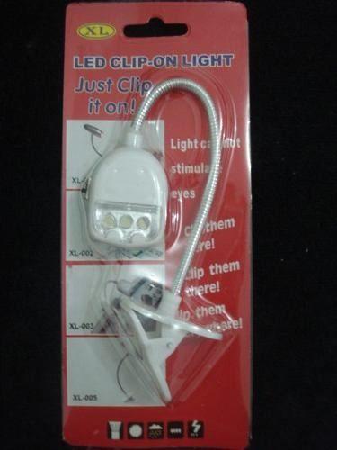 Lanterna Luminaria 3 Led Clip Leitura Noturna Viagens  - José Geraldo Almeida Marques