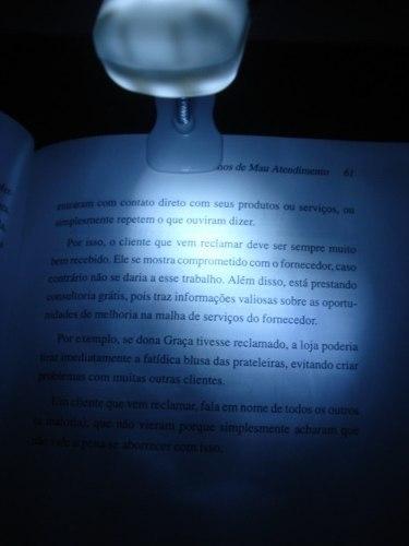 Lanterna Luminaria 3 Led Clip Leitura Noturna Viagens  - PRESENTEPRESENTE