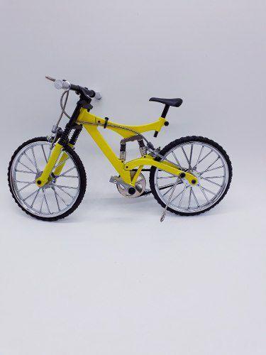 Miniatura Bicicleta Track Moutain Bike Mini Amarela  - José Geraldo Almeida Marques