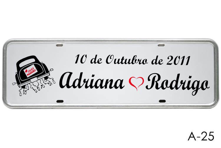 Placa de Carro Personalizada para Casamento  Adesivada Branca A-25