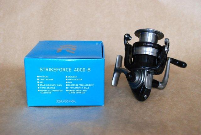 Molinete Daiwa Strikeforce 4000-B  - MGPesca