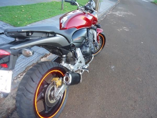 Armario Retro Quarto ~ Friso Adesivo de Roda Protector, Acessórios, Loja de acessórios e peças para Moto e Motociclista