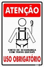 PLACA DE SINALIZAÇÃO USO OBRIGATÓRIO (CINTO COM TRAVA)