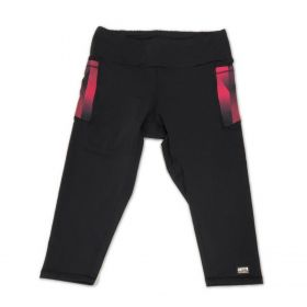 Legging capri em sportiva preto com bolsos laterais cherry e bolso ziper atrás
