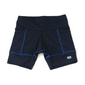 Shorts Multibolsos preto com costura royal em compress