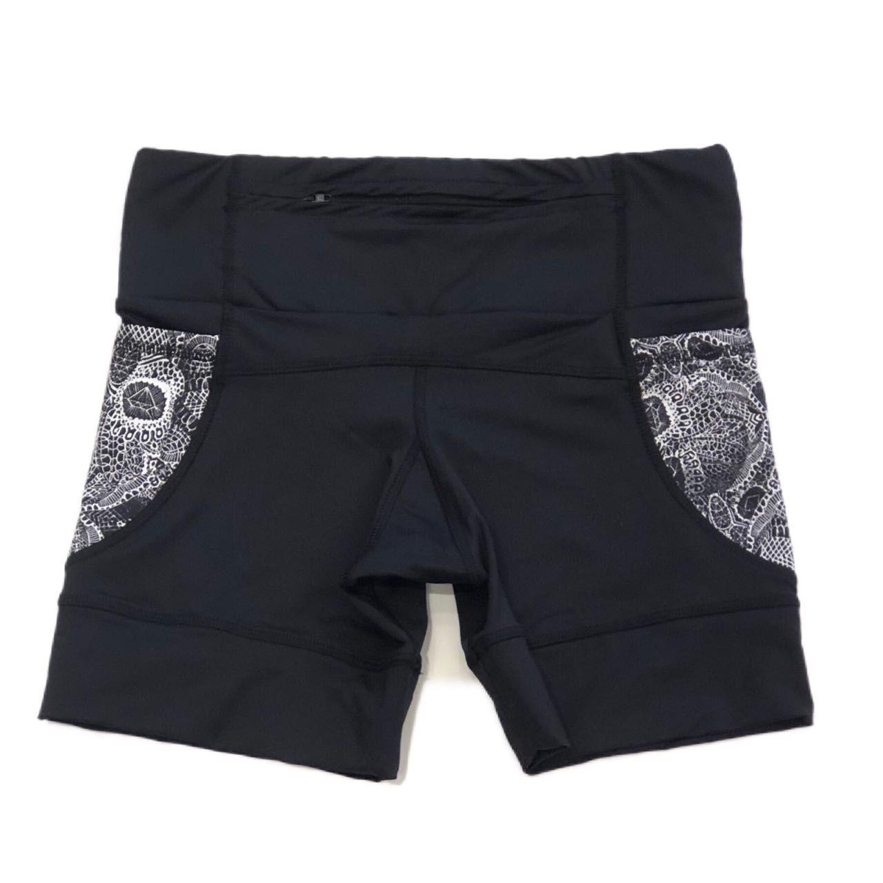 Shorts de compressão 1500 bolsos em compress preto com bolsos laterais estampa caveira renda
