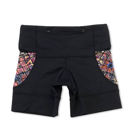 Shorts de compressão 1500 bolsos em compress preto com bolsos laterais estampa mosaico floral