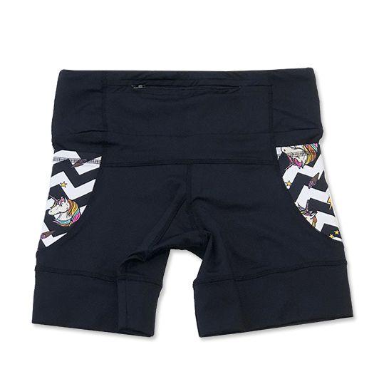 Shorts de compressão 1500 bolsos em compress preto com bolsos laterais estampa unicórnio