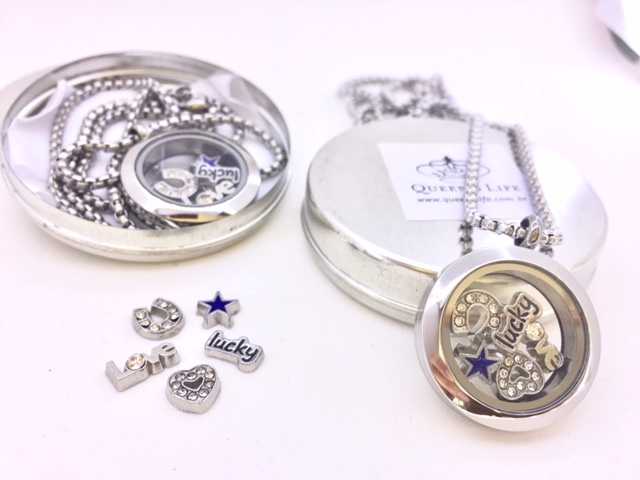 Conjunto de Cápsula 25 mm, Mini Charmes, Corrente e Caixa , SORTE/AMOR