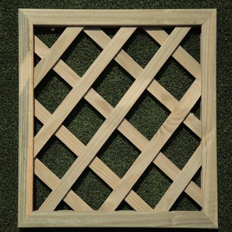 Treliça diagonal de madeira tratada 120x120 cm (01 unidade)