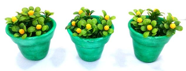 Trio de vasinhos decorativos verde com flores
