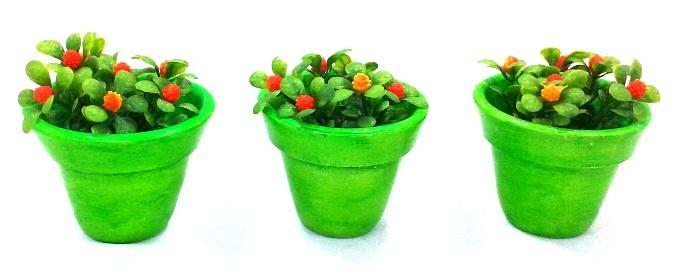 Trio de vasinhos decorativos verde limão com flores coloridas