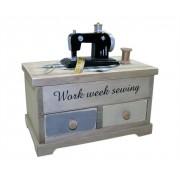 Porta objetos em formato de m�quina de costura com gavetas e tampa