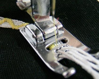 Calcador para aplicar cordões com 7 furos - aplique até 7 cordões