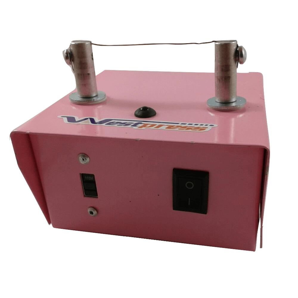 Máquina para fuxico bivolt na cor rosa