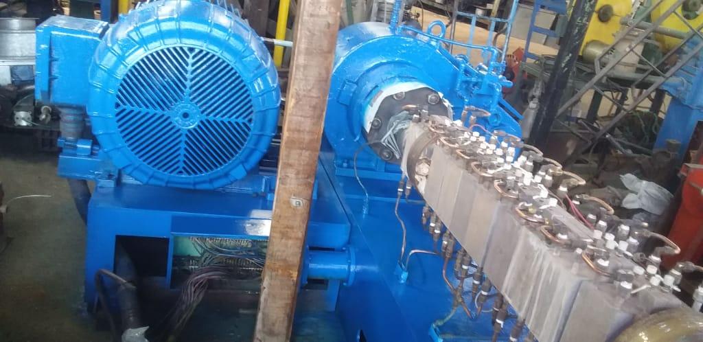 Extrusora de plástico 90mm motor 100hp com painel C1655  - Metalmaq