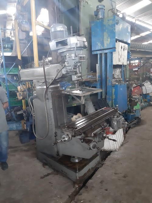 Fresadora Ferramenteira industrial C6172  - Metalmaq
