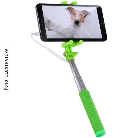 Selfie Stick com AC284 Compatível com Apple e Android Sortidos - Multilaser