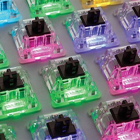 Teclado Mecânico STRAFE RGB Cherry MX Brown CH-9000094-BR - CORSAIR