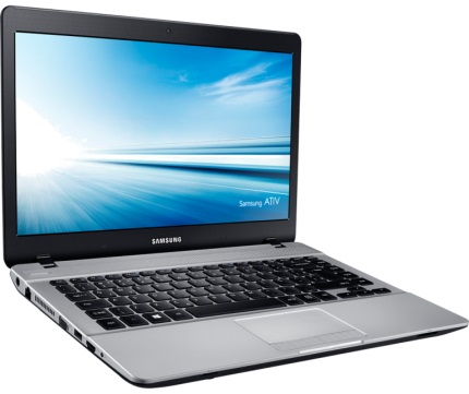Notebook Essentials NP370E4K-KWSBR Preto Intel® Pentium® 3825U 4Gb HD 500Gb Tela 14 Win 10 - Samsung