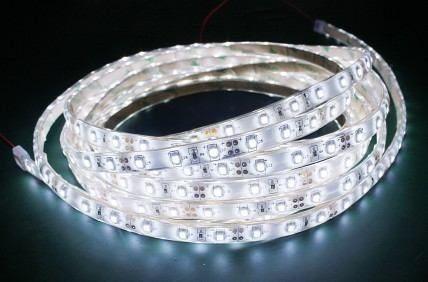 Fita Led Branco 5M - Tamanho dos Leds 3528 - 60 Leds Por Metro Com Silicone e Fita Dupla Face + Adaptador - Alltech -