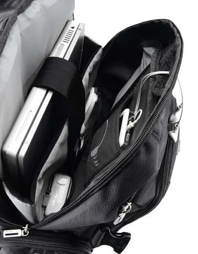 Mochila Notebook 15.6 Preta com Protetor de Chuva Integrado PON368BK - Sumdex