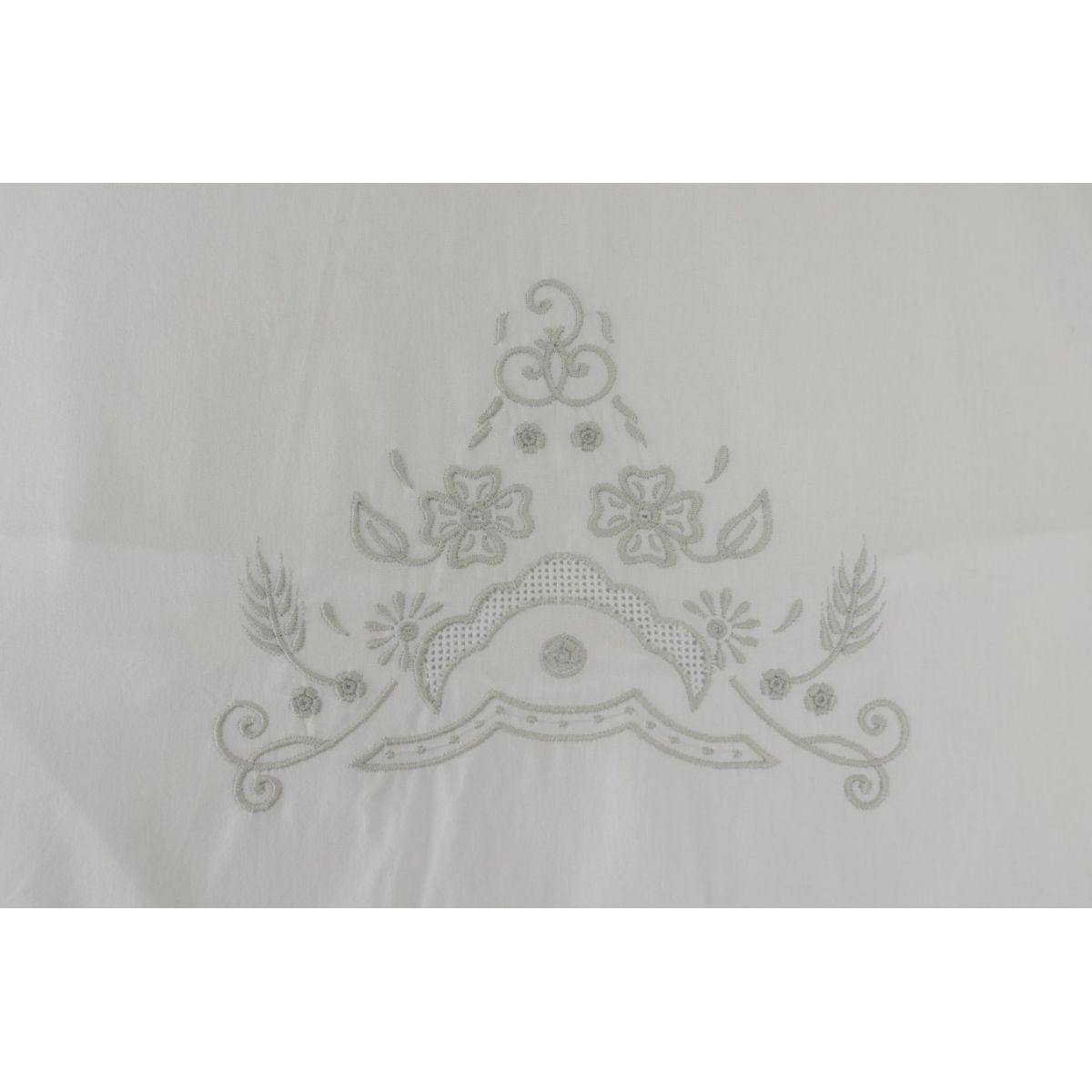 Roupa de Cama Bordada Bordado Richelieu com Crivo Cor Branco/Prata  - Helô Reis