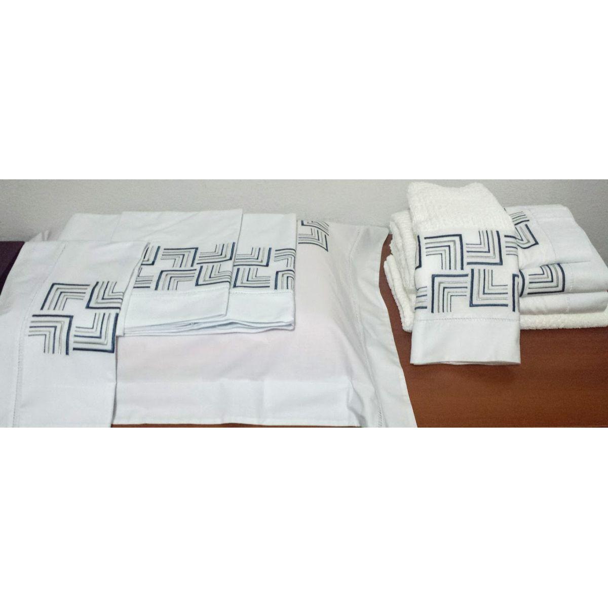 Kit  de Roupa de Cama Queen e Toalha de Banho Bordado. Suite Queen e Banho,9 peças Promoção