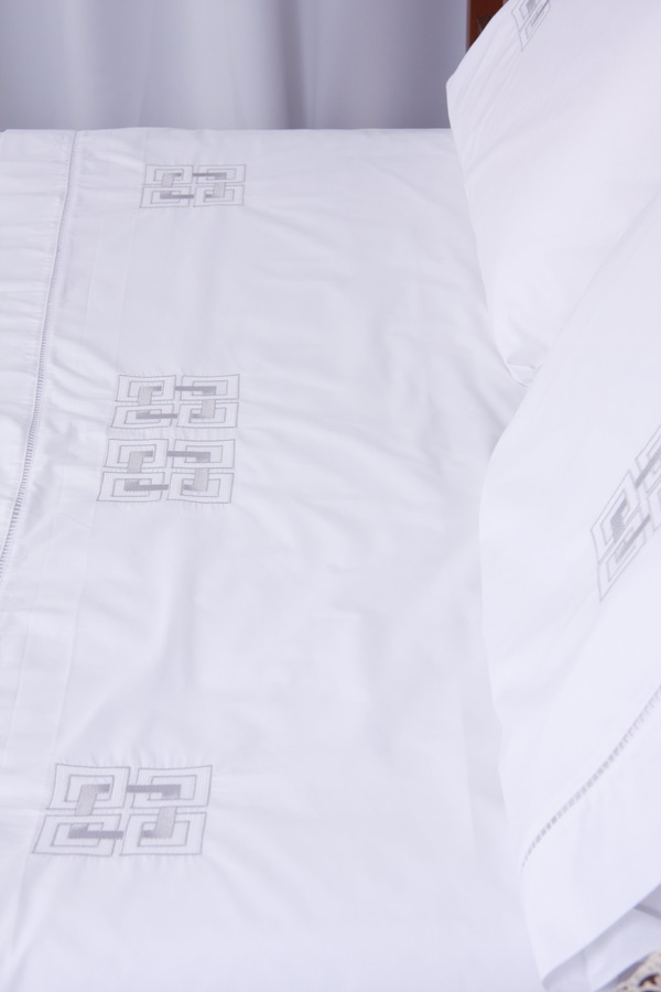 Roupa de Cama 250 fios Geométrico II branco/ prata  - Helô Reis Store