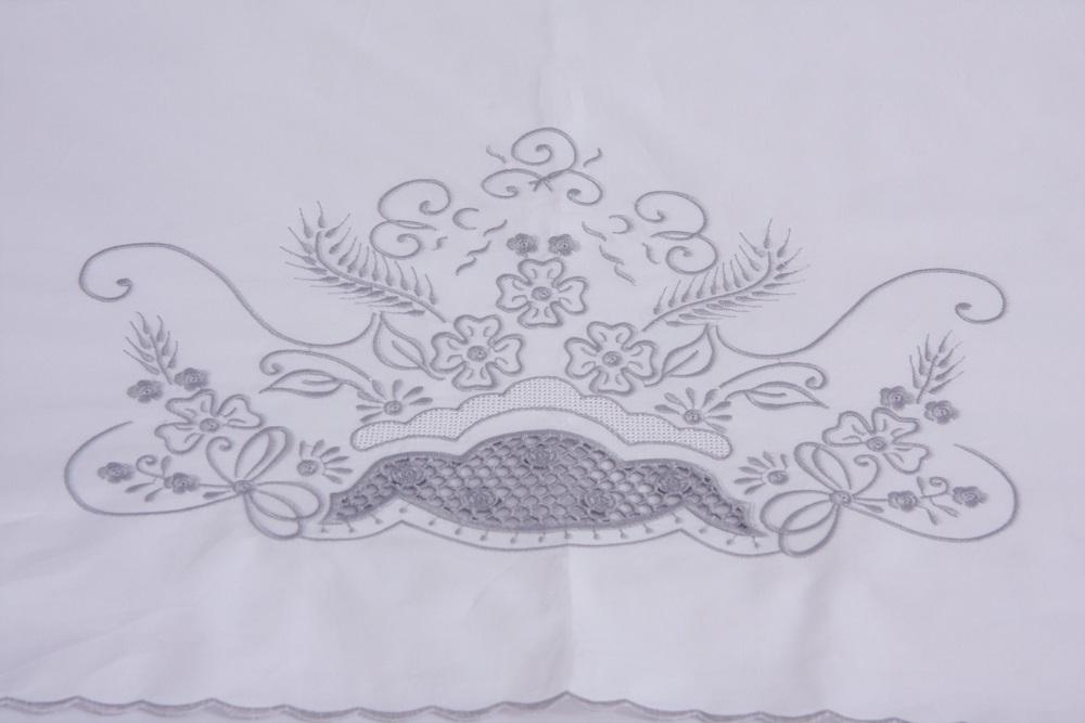 Roupa de Cama Bordado Richelieu com Crivo Cor Branco/Prata  - Helô Reis Store