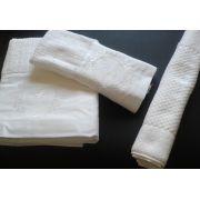 Jogo de Banho Com Bordado Brasão Cor Branco Branco 3 Peças - Mande seu Brasão que Bordamos Para Você