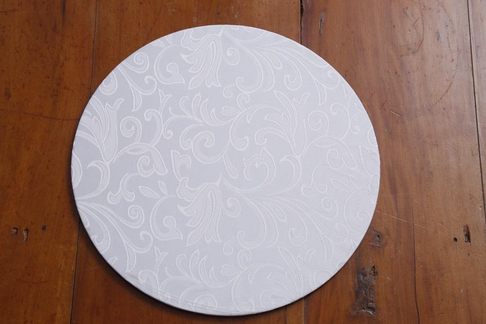 Kit 6 Capas Para Sousplat Brancas Tecido Jacar Branco Adamascado Floral  - Helô Reis