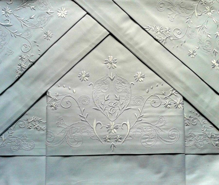 Roupa de Cama 800 Fios Bordado Bud Cor Branco  - Helô Reis Store