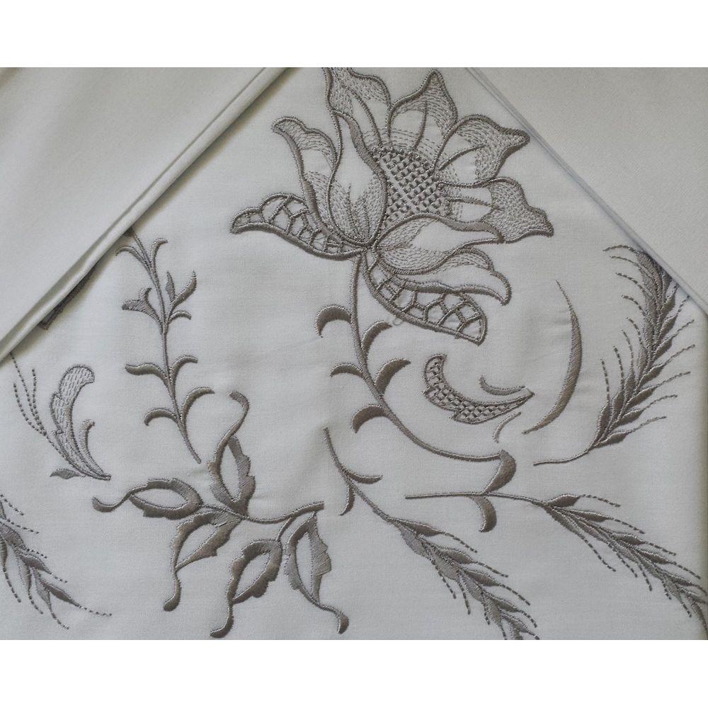 Roupa de Cama Bordada Bordado Rosa Cor Branco/Prata  - Helô Reis Store