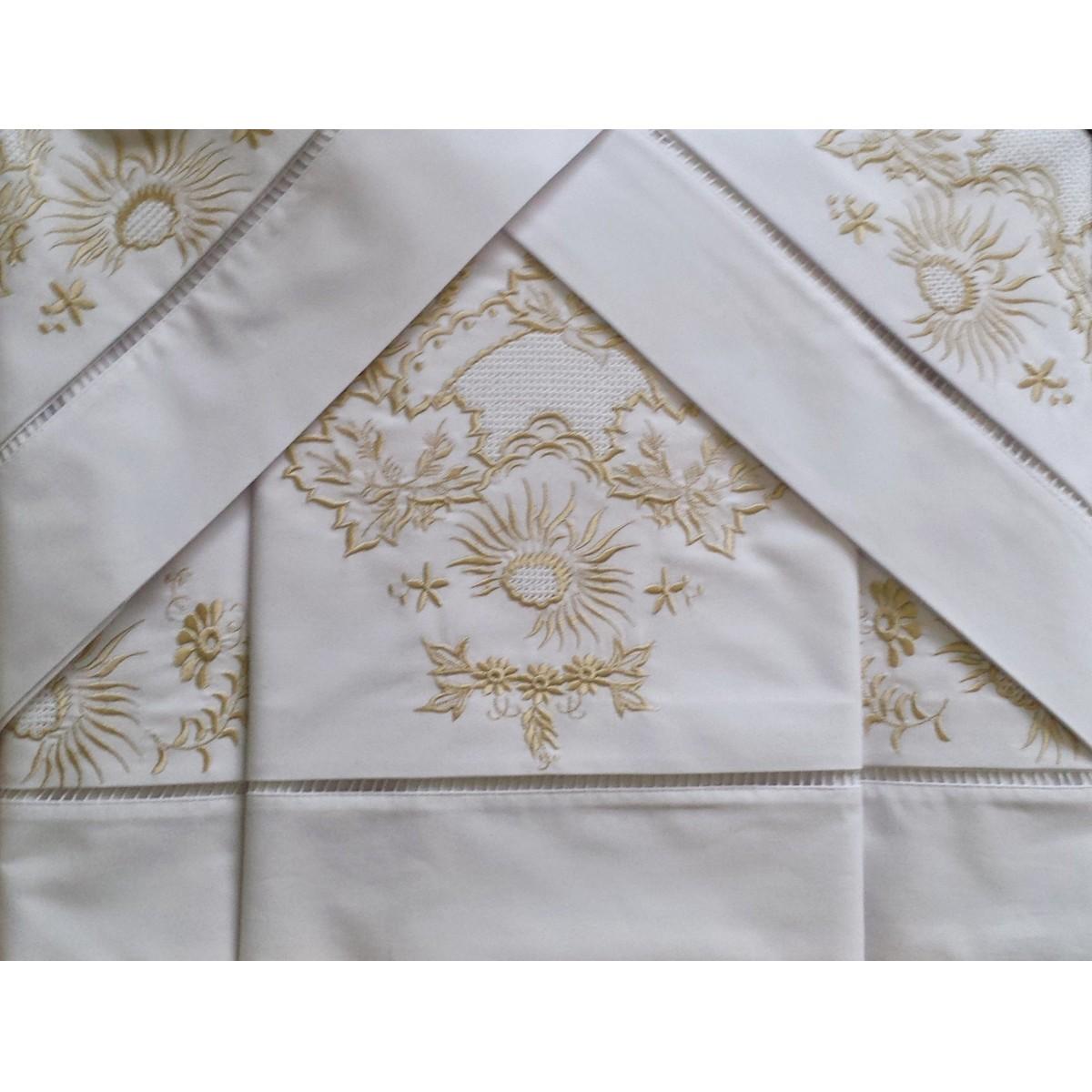 Roupa de cama Bordado Ilha da Madeira cor Branco/Perola  - Helô Reis