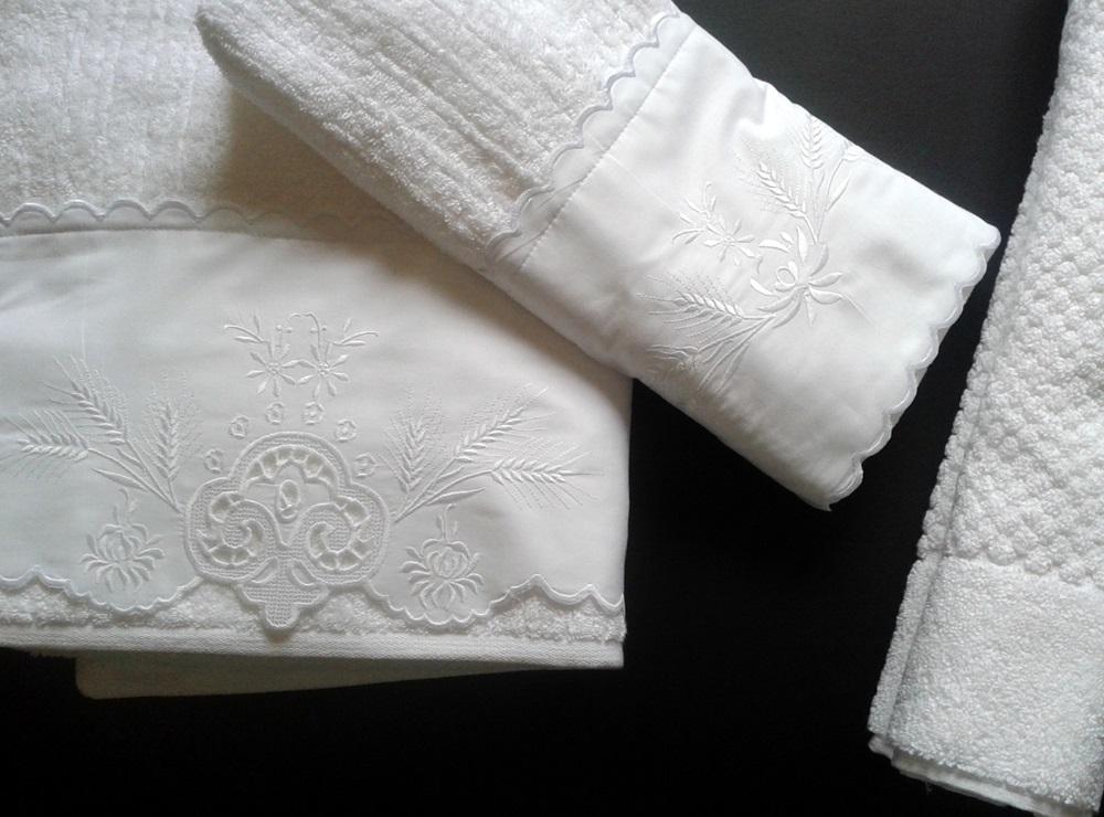 Jogo de Banho 5 peças Festonê Trigo branco  - Helô Reis Store