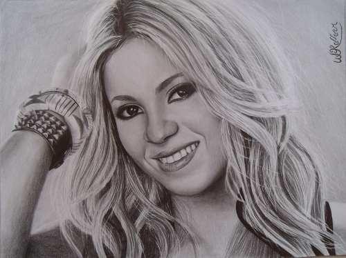 Grafite Desenho Feito a Mão - Mande sua Foto - Desenho Shakira  - Helô Reis