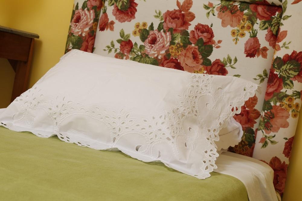 Par de fronhas Realeza branco  - Helô Reis Store