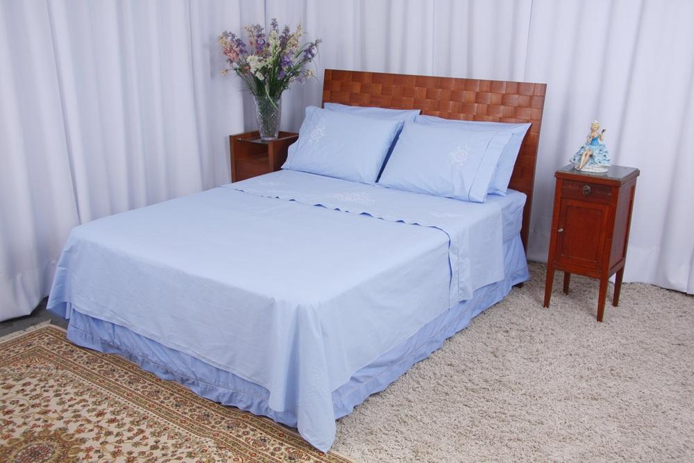Roupa de Cama Bordado Lírio Cor Azul/Branco  - Helô Reis Store