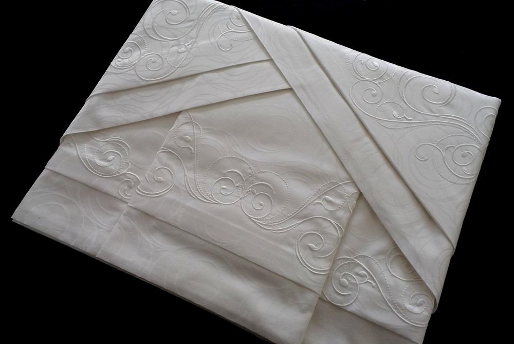 Roupa de Cama 500 fios Adamascado Oval Bordado Vettore Cuore Cor Branco  - Helô Reis