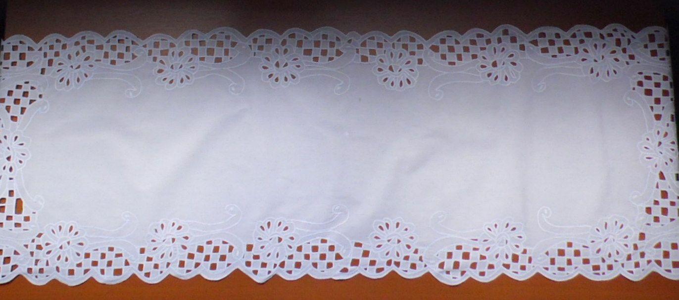 Caminho de Mesa Percal Richeleu Escama branco  - Helô Reis Store