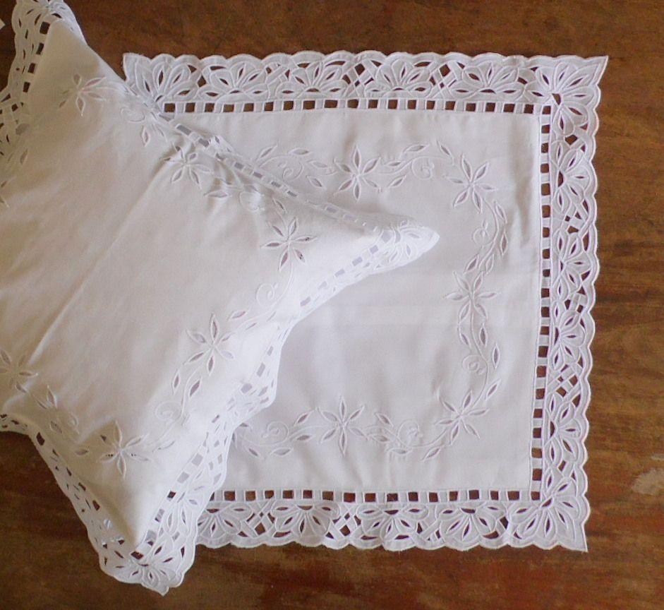 Capa de Almofada Aurora Preenchida branco  - Helô Reis Store