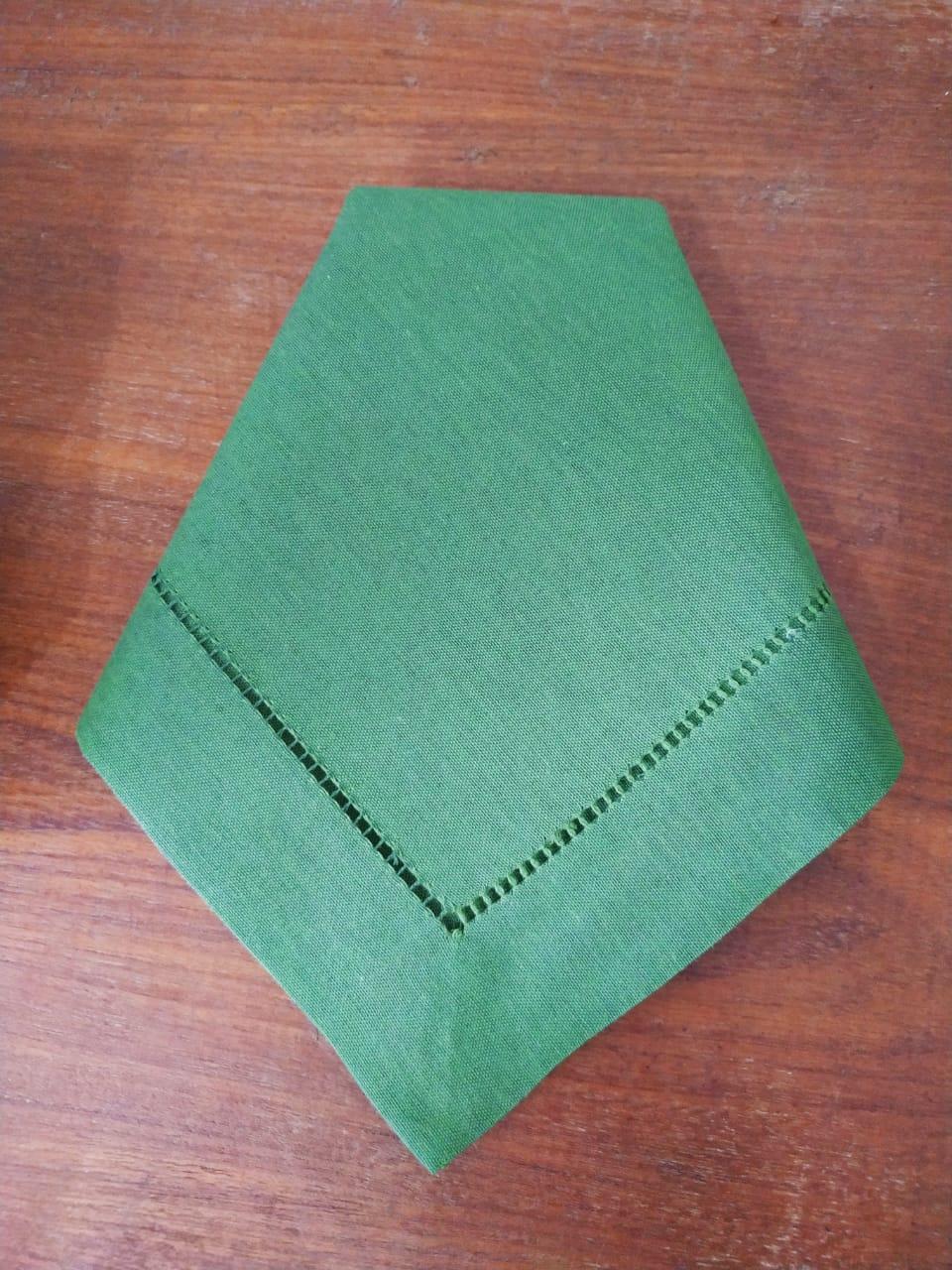 Guardanapo Bainha Ajour À Mão Verde Folha Soft 45 X 45 Kit 12  - Helô Reis Store