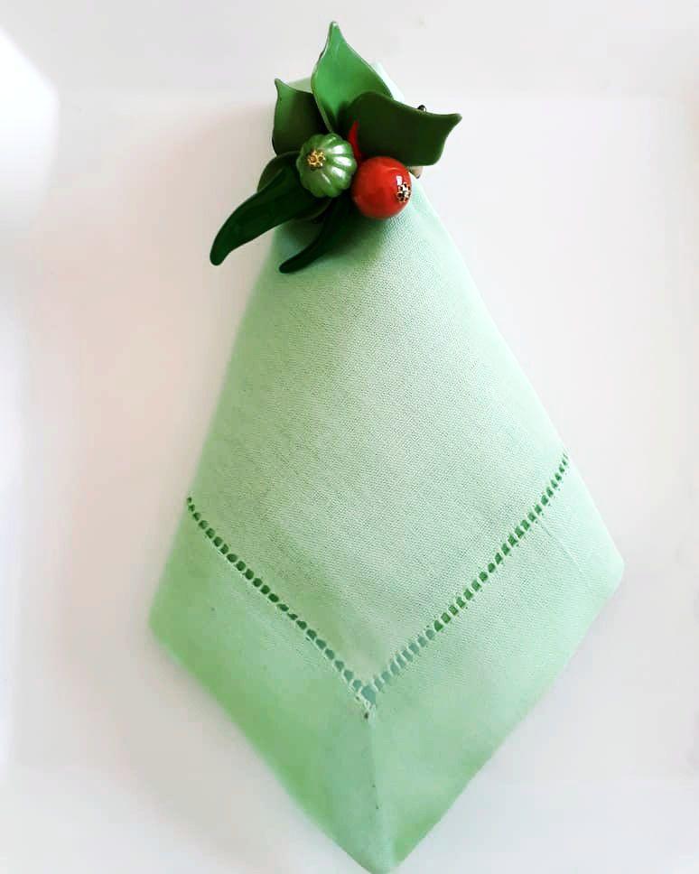 Guardanapo de Linho Ajour a Mão Verde Claro 45x45 Kit 12  - Helô Reis Store