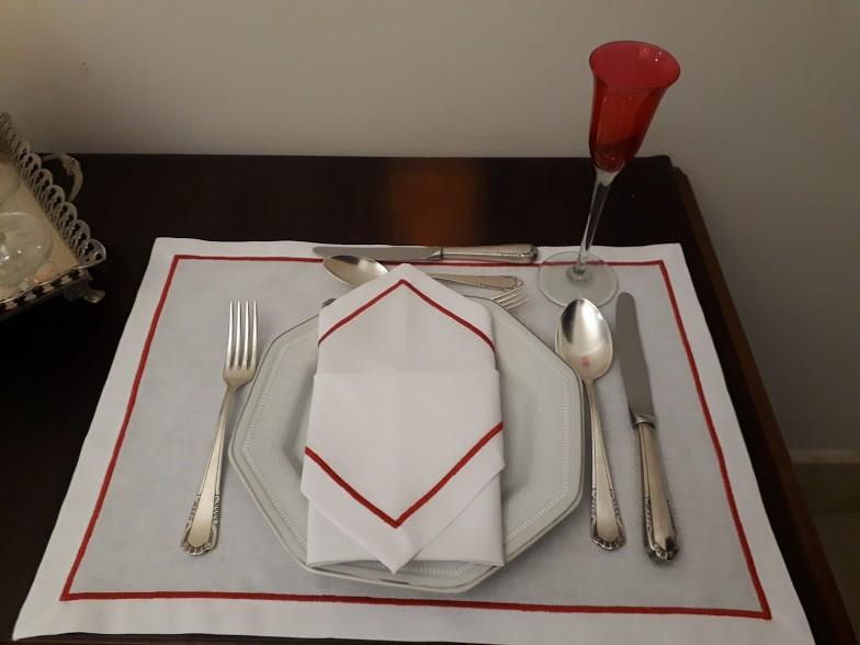 Jogo Americano + Guardanapo Festonê vermelho/branco Linho Misto Kit Com 12  - Helô Reis Store