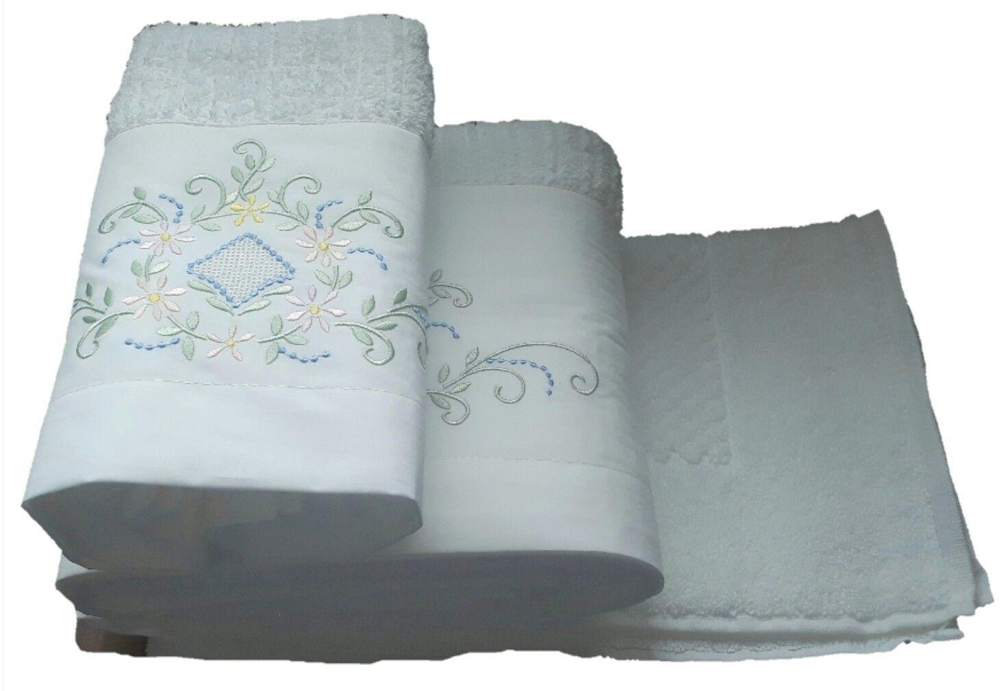 Jogo de Banho 3 peças Crivo branco/ colorido  - Helô Reis Store