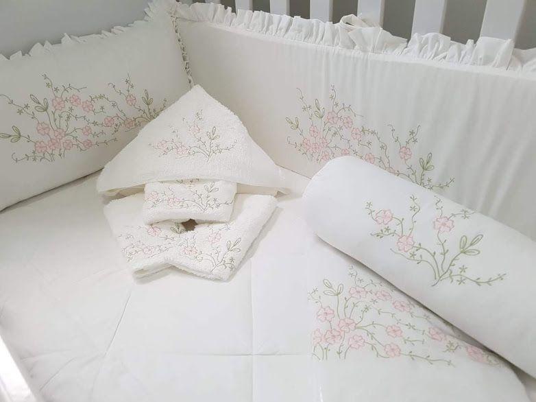 Kit de Berço 15 peças 250 fios Gabi branco/ rosa   - Helô Reis Store