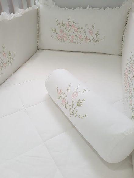 Jogo de Berço 7 peças 250 fios Gabi branco/ rosa  - Helô Reis Store
