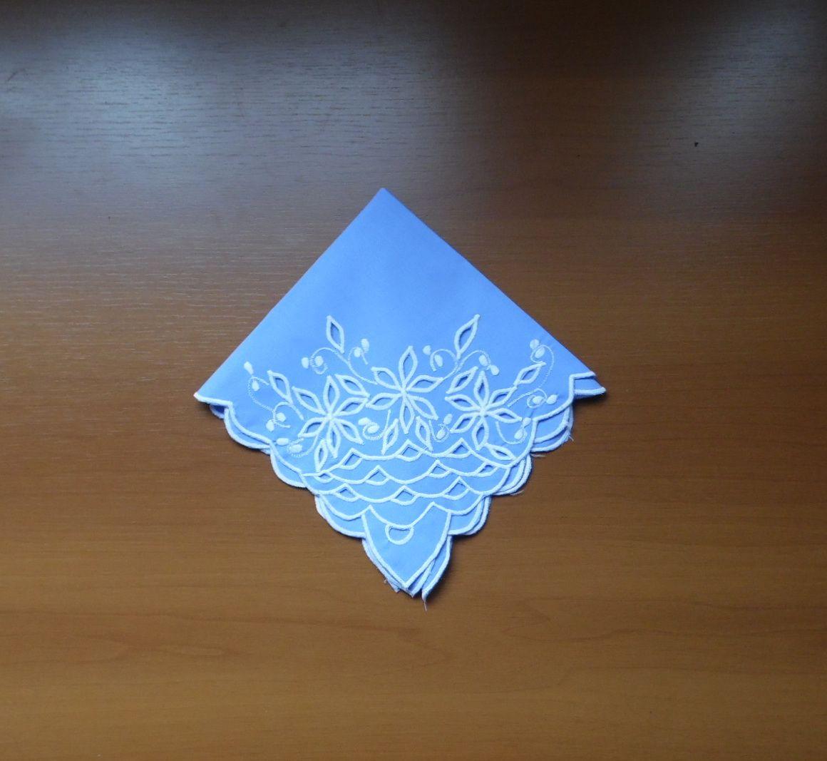 Guardanapo de Percal Richelieu Escama Azul/Branco Kit Com 10  - Helô Reis Store